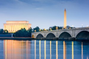 washington-dc-monuments-by-moonlight-night-tour-by-trolley-in-washington-d-c-510954